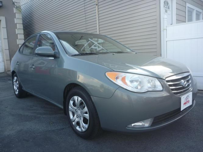 2010 GRAY /TAN CLOTH Hyundai Elantra GLS (KMHDU4ADXAU) with an 2.0L L4 DOHC 16V engine, 4-Speed Automatic Overdrive transmission, located at 1018 Brunswick Ave, Trenton, NJ, 08638, (609) 989-0900, 40.240086, -74.748085 - Photo #0